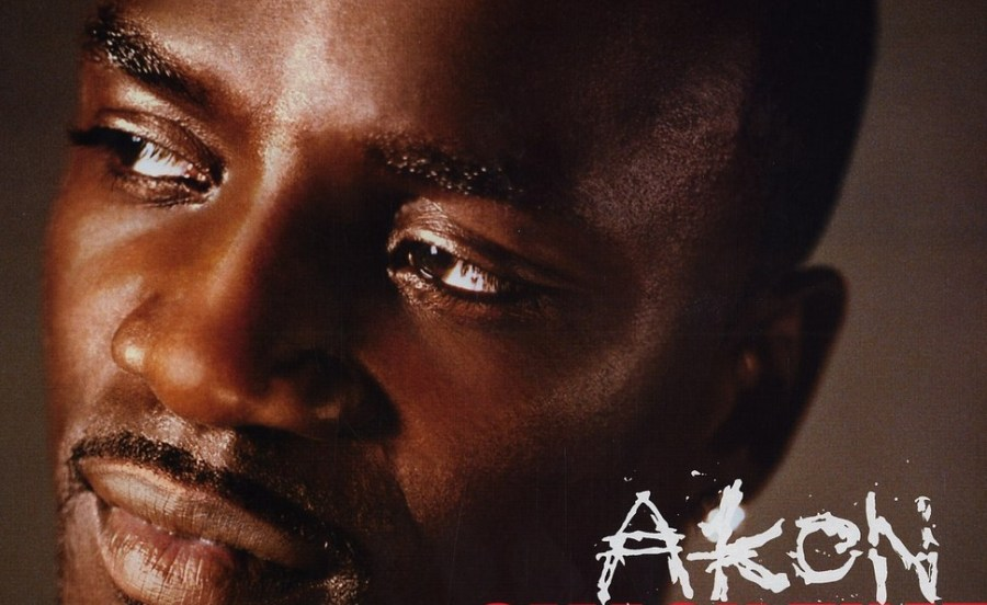 Akon ft. Eminem – Smack That